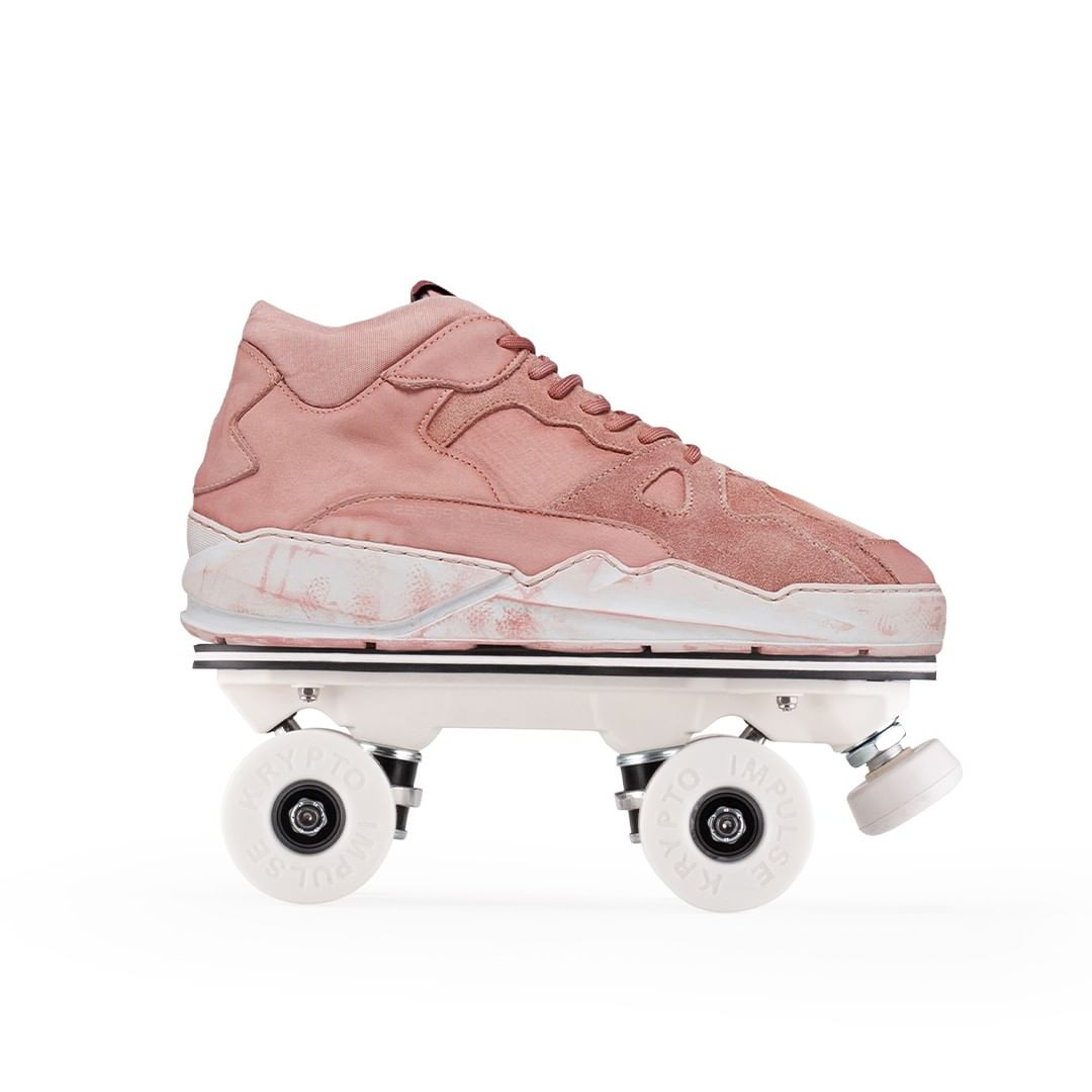 CUSTOM 2020⁠ Custom: Filling Pieces Lay Up Icey Dip Dye Peach - Iconic rolling part⁠ ⁠