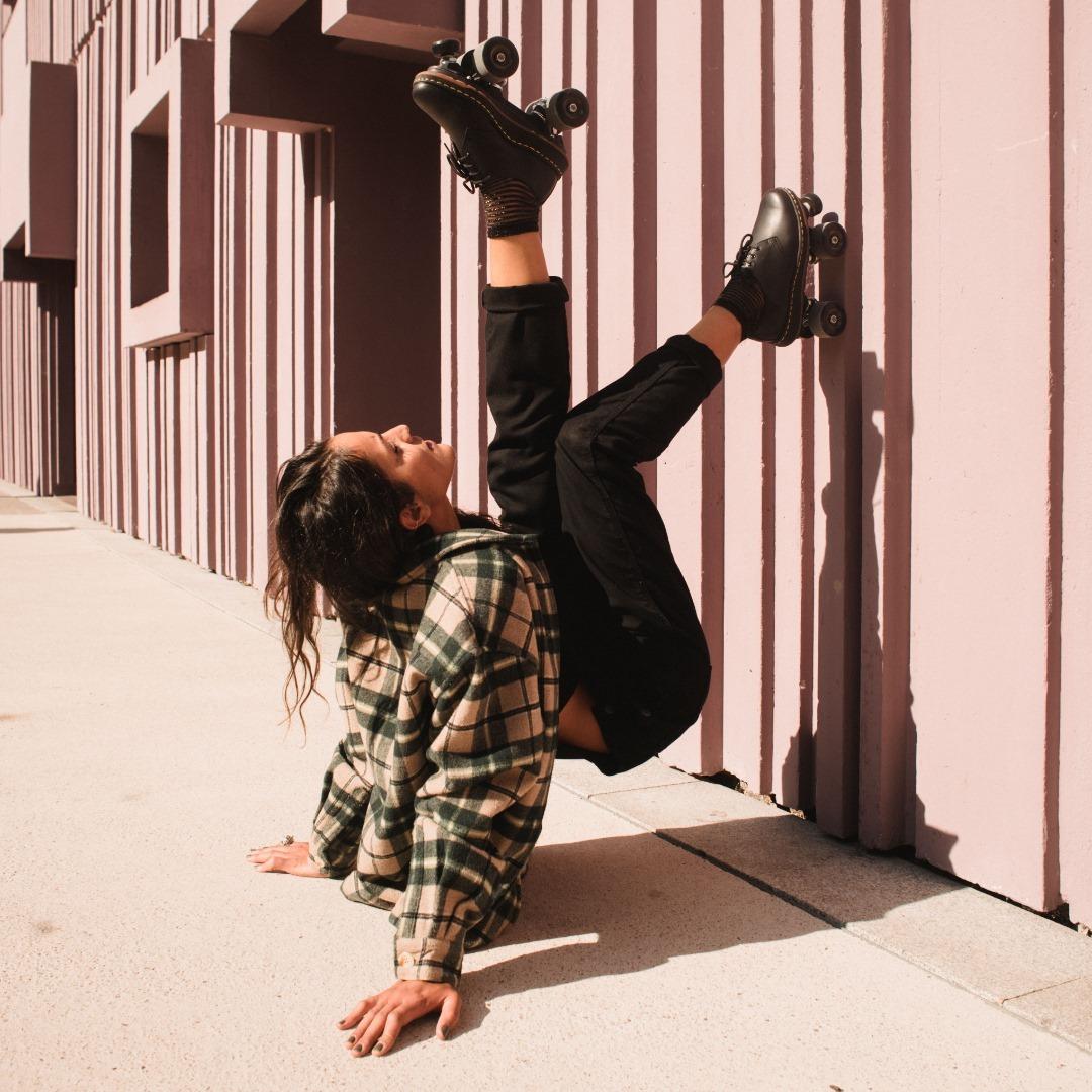FALL 2020 Skates: Dr Martens Cavendish- Iconic rolling part Photo: @amaury_cibot Model: @mira_rym 