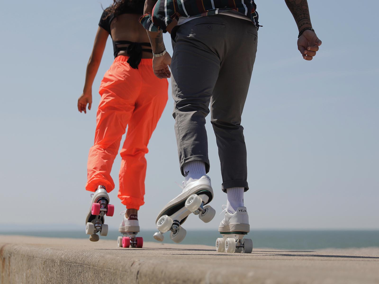 How to brake on roller skates?