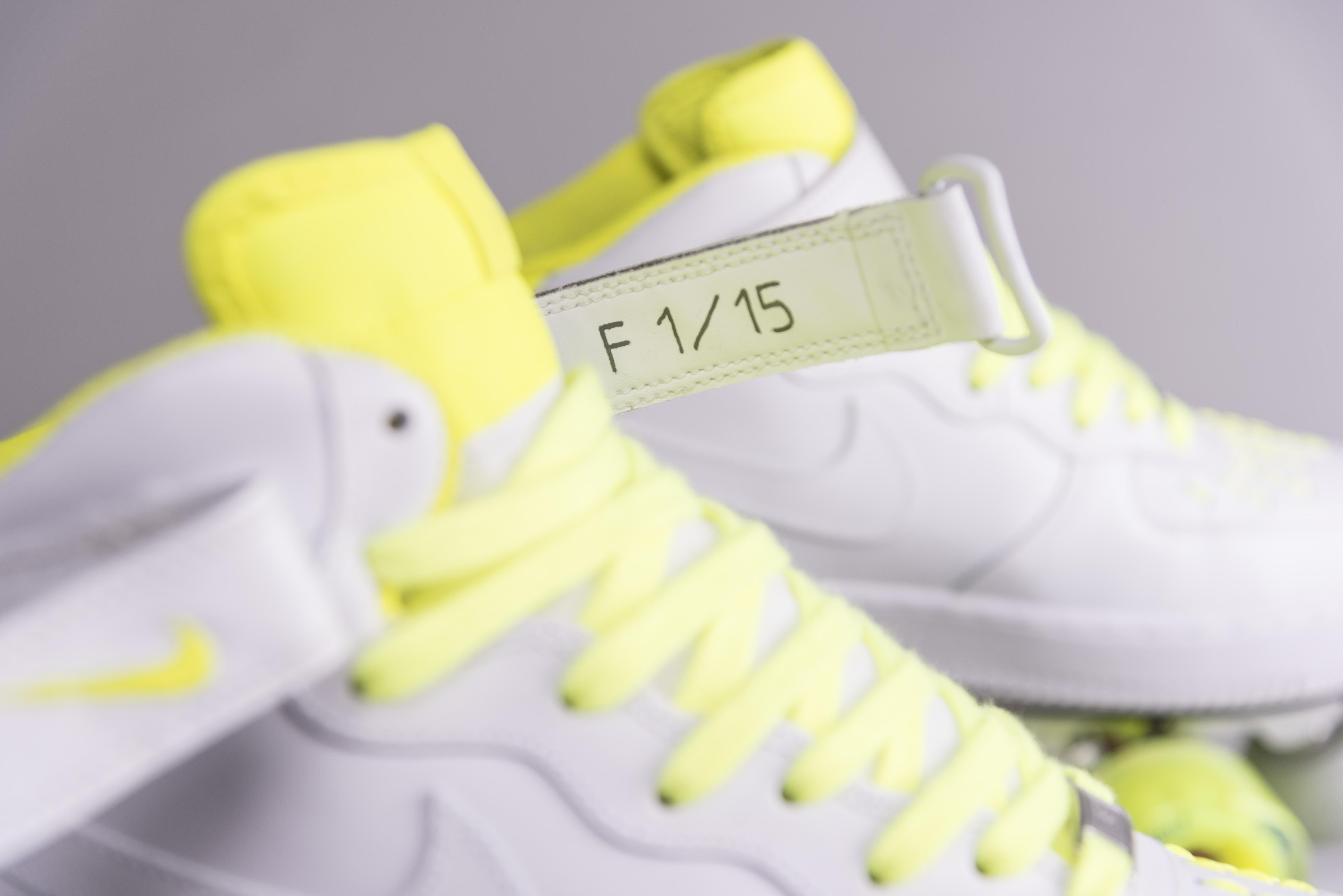 AF1 fluo strip F1/15